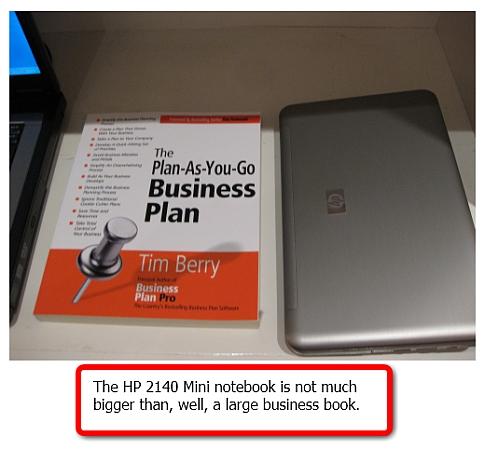 HP 2140 Mini notebook size comparison