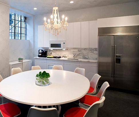"""Meet at the Apartment - giving new meaning to """"kitchen table business"""""""