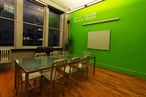 Sunshine Suites - coworking conference room