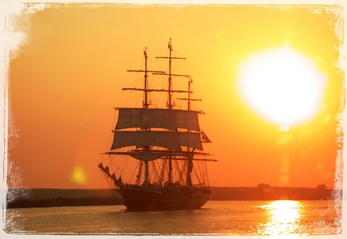Photo Rogue Tallship_at_dawn
