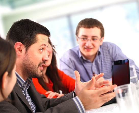 4 Ways To Improve Your Business Networking
