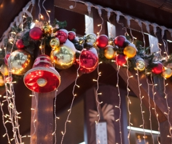 Holiday Marketing Tips That Work All Year Round