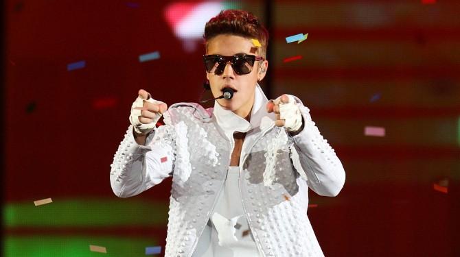 Bieber Invests in Social Media