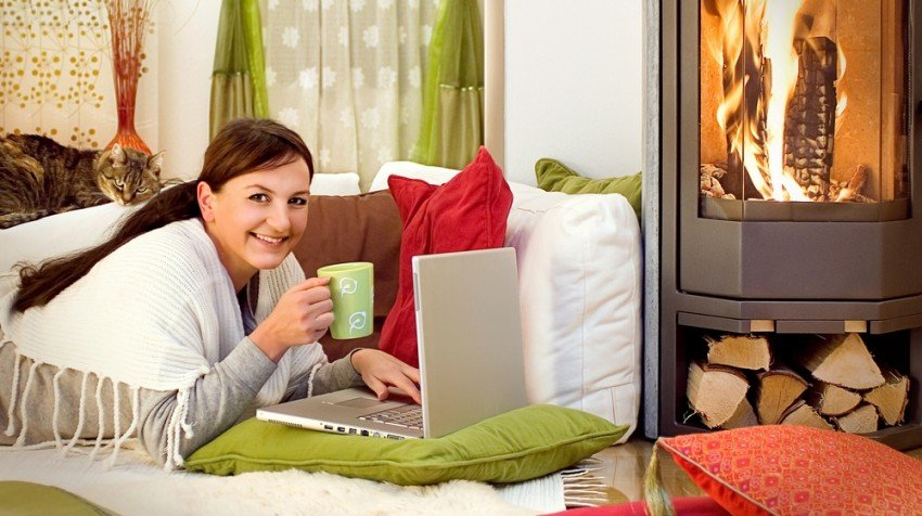 Holiday Postage, Mobile Engagement and WordPress Websites