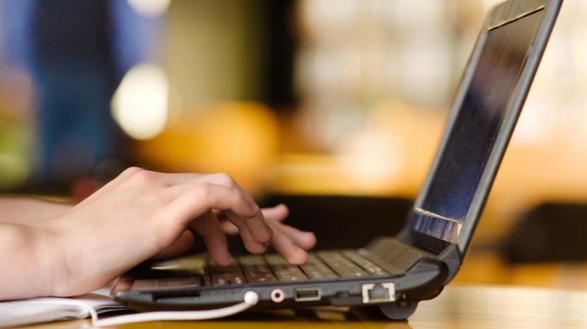 reverse guest blogging