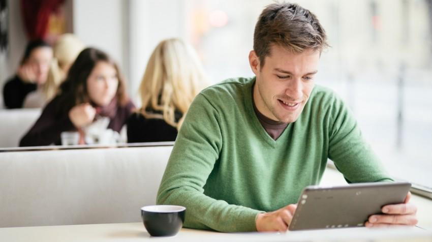 reading tablet restaurant