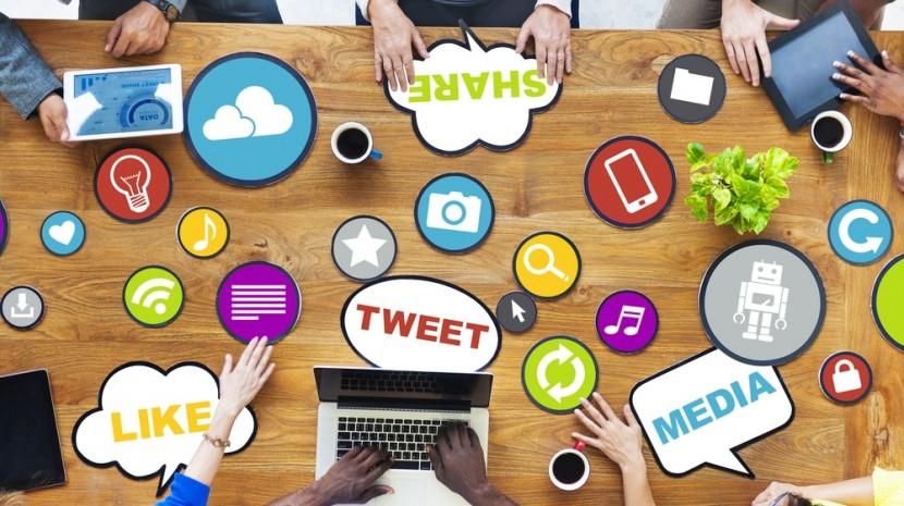 custom social media content