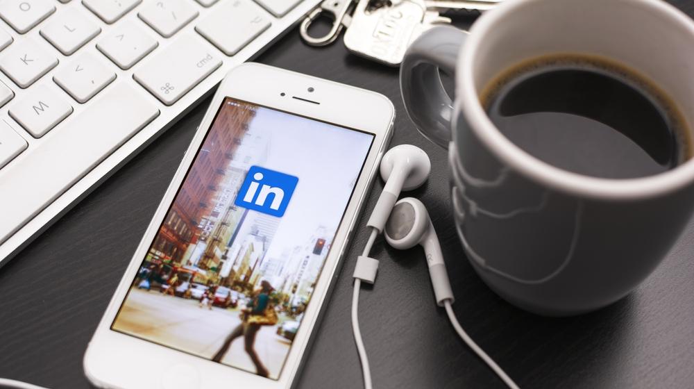 10 Useful LinkedIn WordPress Plugins to Consider
