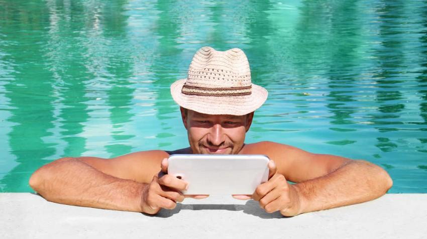 Tablet time poolsideEDIT