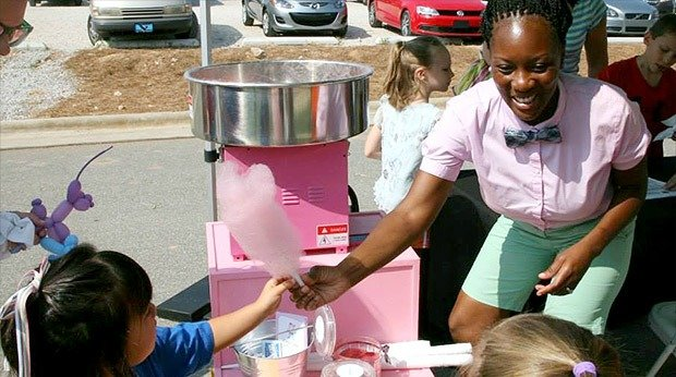 Startup Uses Facebook to Sell Cotton Candy for a Cause