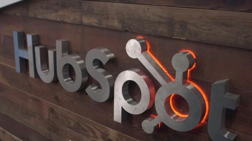 hubspot sign