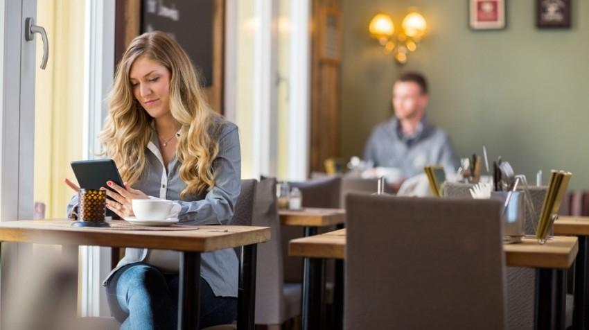 tablet in cafe