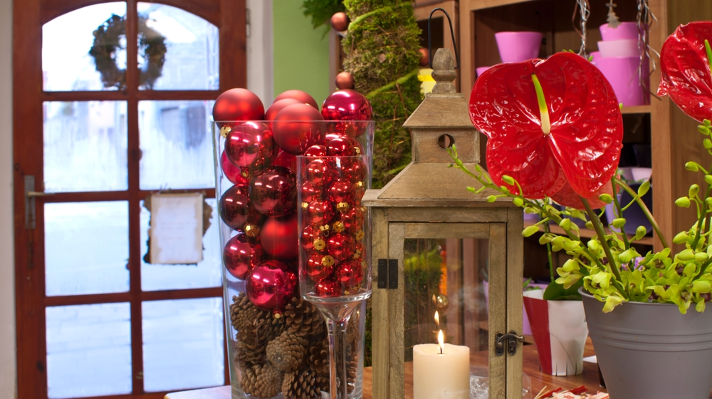 9 Holiday Marketing Tips to Make Your Retail Store Stand Out