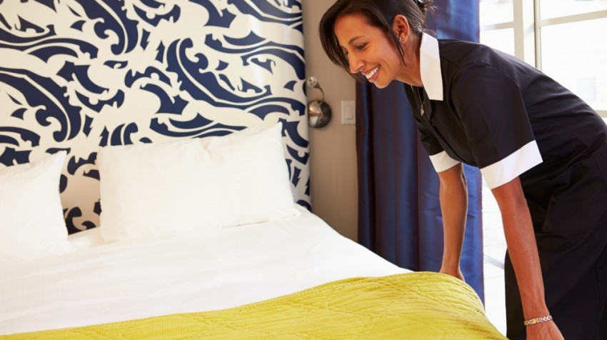 tip hotel cleaning staff