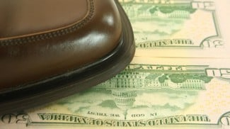pros and cons of bootstrapping