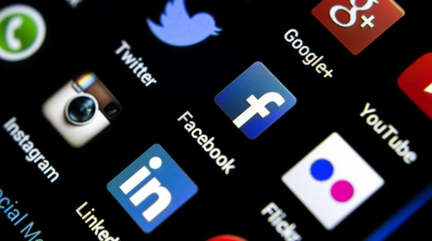 start your own social media business