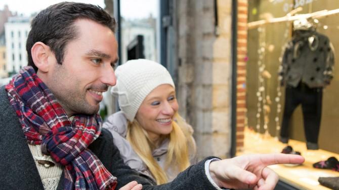 020215 couple shopping