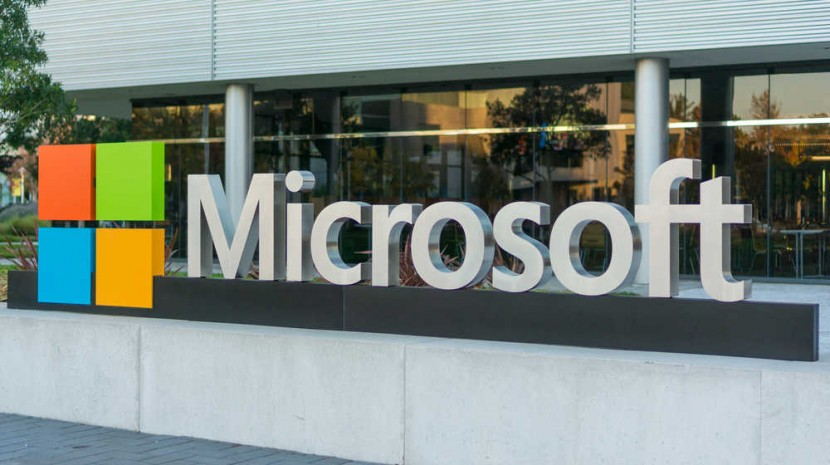 Microsoft Frees Up the Cloud, Photoshop Makes History