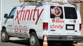 040615 comcast service van