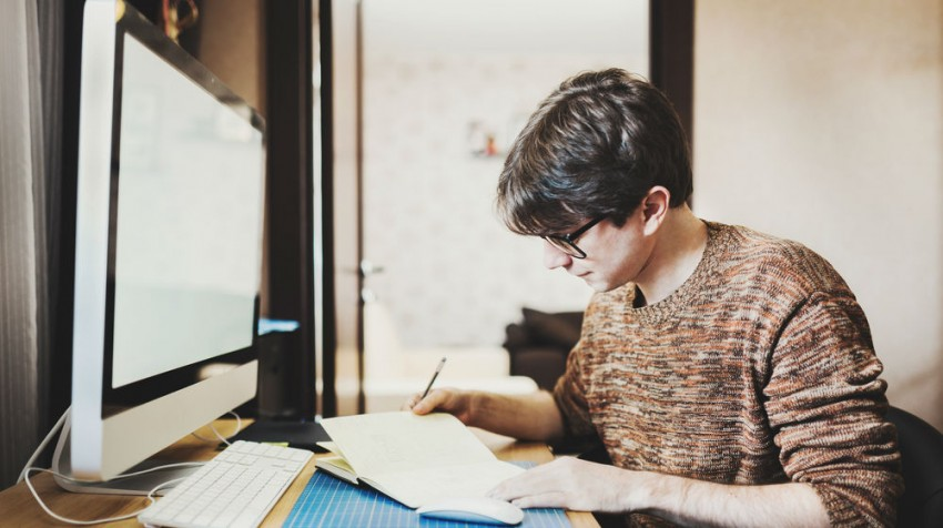 Should I Hire a Freelancer or Not?