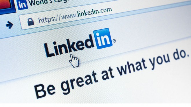 social media recruiting linkedin job feature