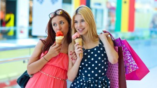 10 Tips on Marketing to Teens in Your Retail Business