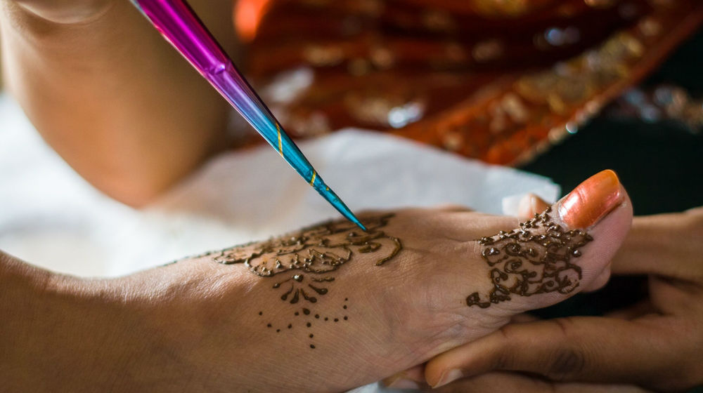Dipping Your Toes into the Exotic Henna Business - Small Business Trends