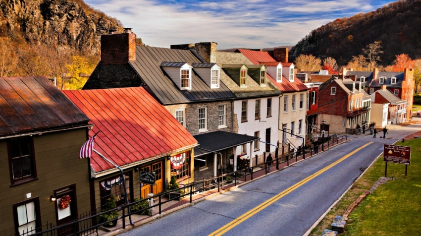 When It Comes To Small Business Startups Location Is A Key Component Of Success Choosing Which Town Might Be Best For Your Factors Like