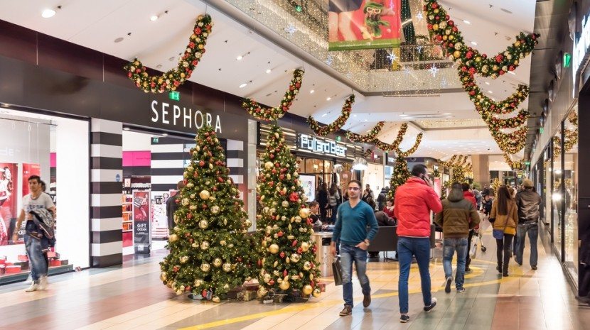 2015 holiday sales forecast