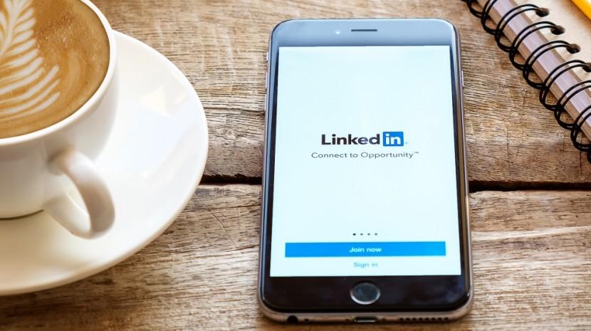 LinkedIn connection request message