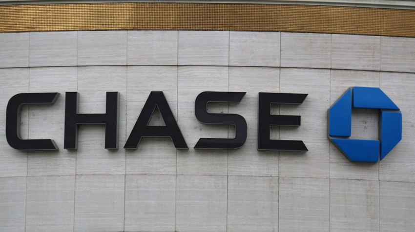 JPMorgan Chase Reports Decrease in Net Income