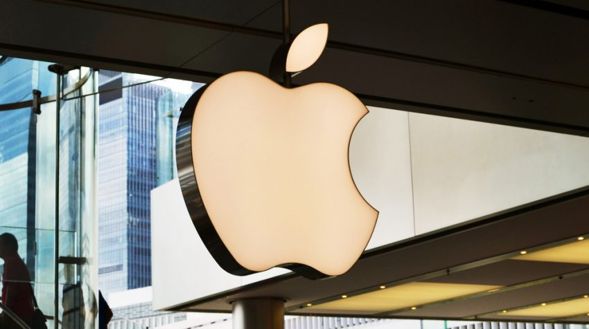 Shares in Apple tumbled