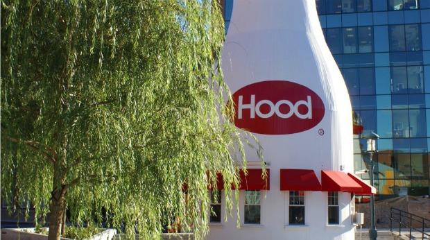 Most Unique Roadside Attraction Businesses in the U.S. - Hood Milk Bottle