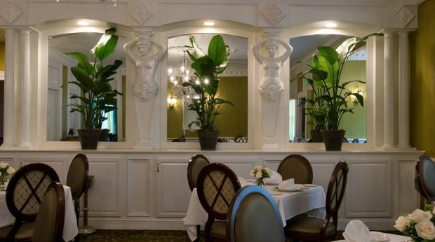 50 Perfect Business Lunch Restaurants that Will Appeal to Millennials - Commanders Palace