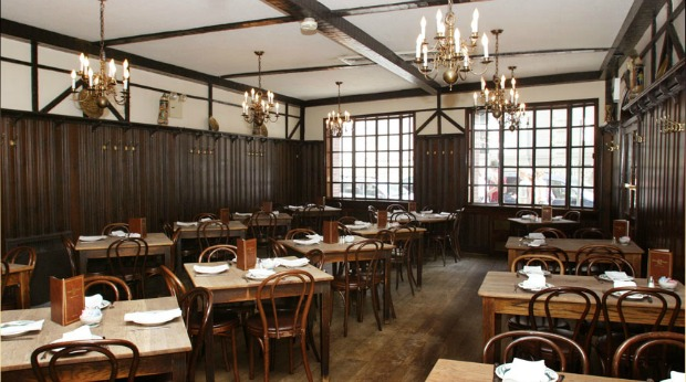 50 Perfect Business Lunch Restaurants that Will Appeal to Millennials - Peter Luger Steakhouse