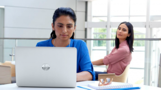 Stop Looking at My Screen, Bro! HP Sure View Addresses PC Peeping