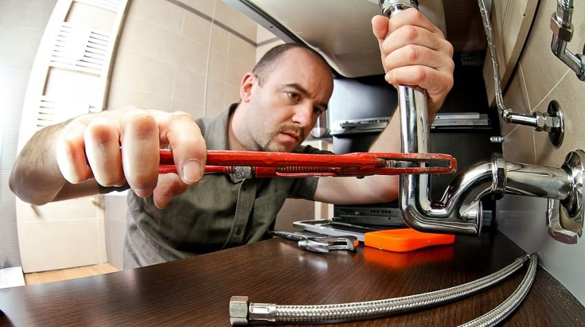 9 Service Professionals Your Company Needs on Speed Dial - Plumber