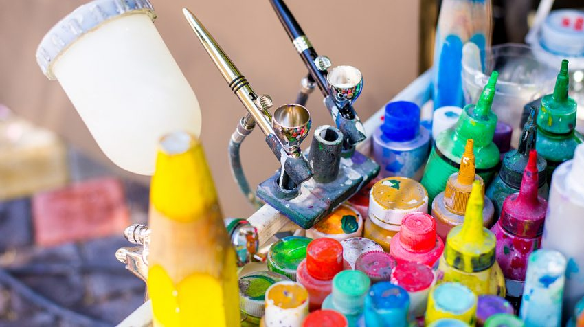 50 Business Ideas for Creative Entrepreneurs - Airbrush Artist