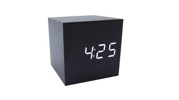 20 Best Business Gifts for Under 10 Dollars - Cube Clock