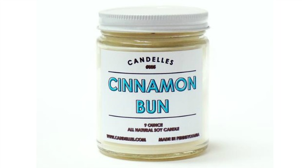 Holiday Gift Ideas for Employees - Scented Candle