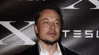 Want to be a part of the next big thing? A lesson to learn from Elon Musk suggests you should make the most of the first mover advantage.