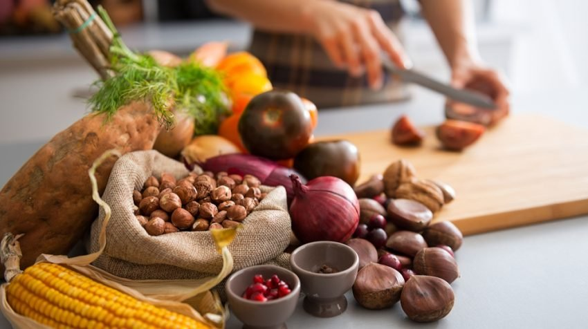 Entrepreneurs have to perform at high levels, and often we have no time for proper meals. Keep going with this list of healthy foods for entrepreneurs.
