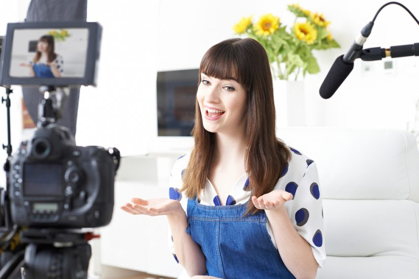Ideas to Make Money on YouTube - Vlogger