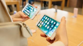 Apple Devices and Phablets Were the Best Selling Mobile Tech During the 2016 Holidays