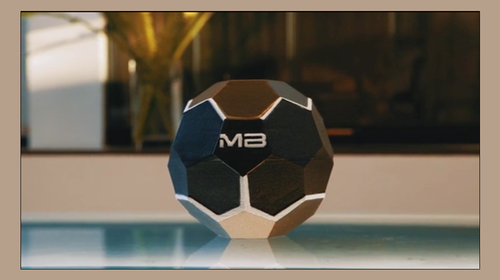 The Motherbox Wireless Charger Wants to Cut the Wires that Bind Your Phone When Charging