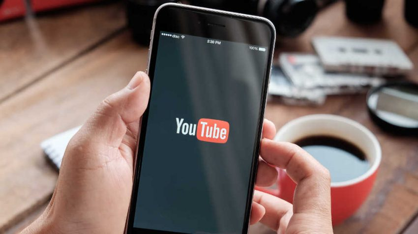 YouTube Launches Mobile Live Streaming, MailChimp Introduces Facebook Ad Campaigns