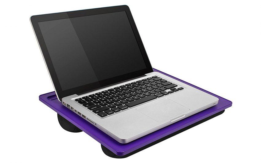 25 accessoires de voyage pour femmes - LapGear Lap Desk