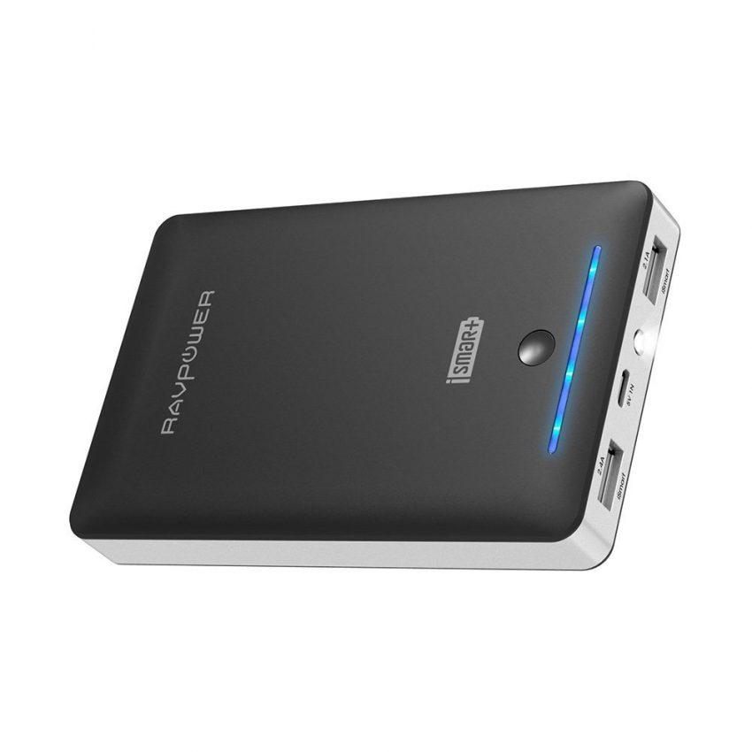 25 accessoires de voyage pour hommes - Chargeur portable RAVpower