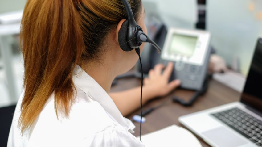 7 Ways Answering Services for Small Businesses Put Money Back Into Your Pocket