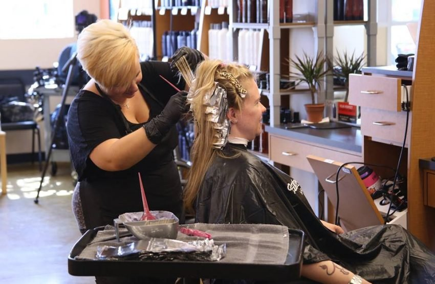 10 Hair Salon Franchise Options to Consider Besides Supercuts - Fantastic Sams